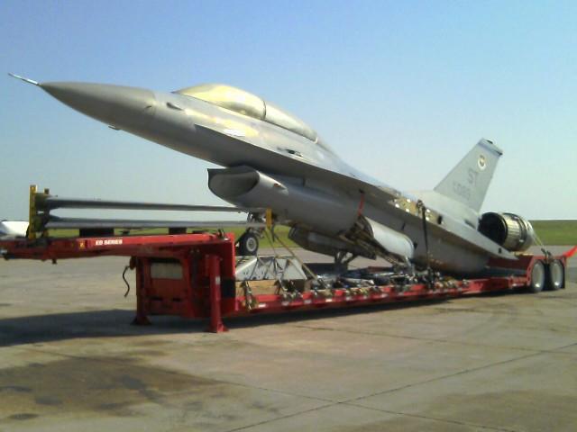General Dynamics F-16B
